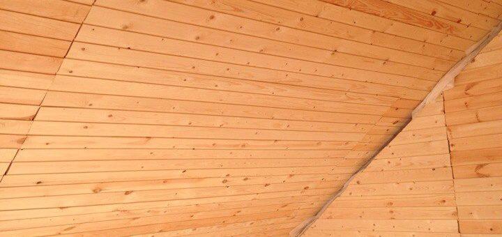 Интерьер деревянного дома: популярные варианты и особенности